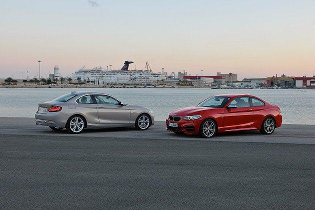 2系列為1系列為基礎而開發的等級更高的小型後驅雙門轎跑車。 BMW提供