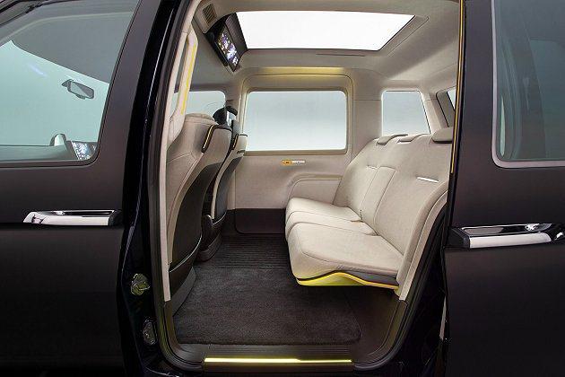 JPN Taxi Concept乘坐空間寬敞。 Toyota提供