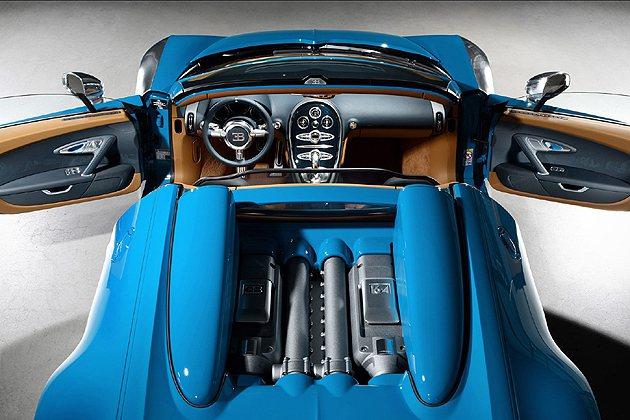 8.0L W12引擎超過千匹的馬力。 Bugatti