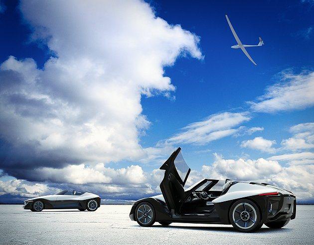 BladeGlider有上掀車門,駕駛座在車門開啟時會橫向移動讓駕駛方便進入就坐...
