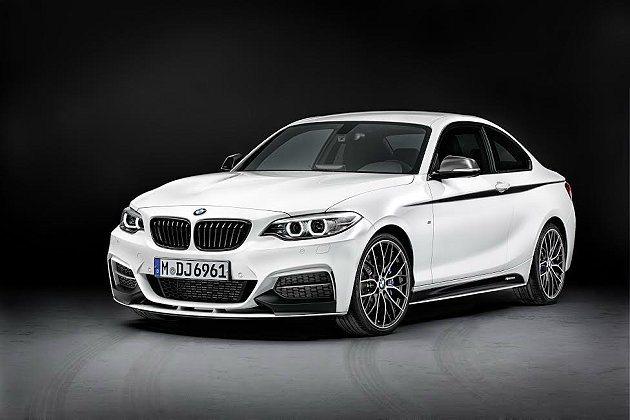 2系列 M Performance性能版水箱護罩採黑色塗裝式樣。 BMW提供