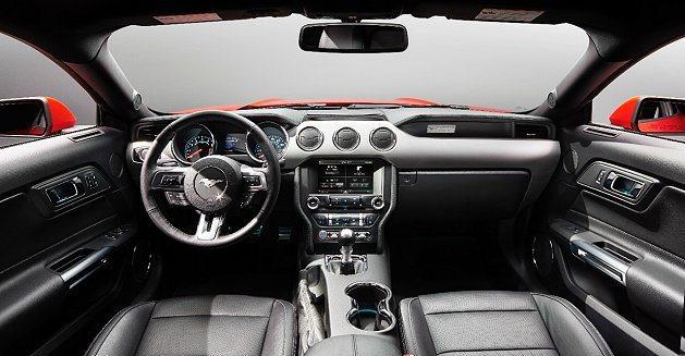 車室設計靈感運用了機艙的概念。 Ford提供