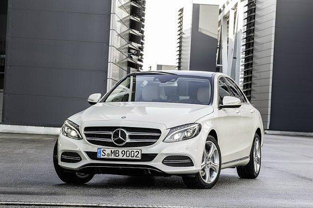 全新C-Class宣稱車重減輕100公斤,並具備絕佳的氣動力效應。 M-Benz...