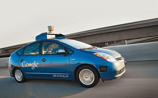 谷歌與蘋果將競逐新領域:汽車。 Google
