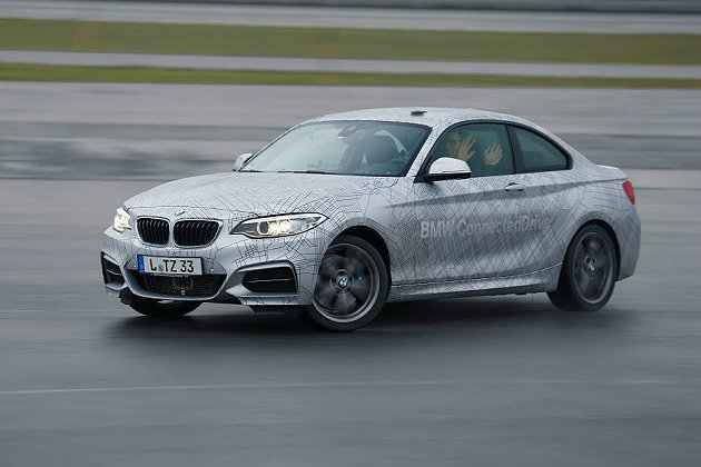 BMW展示結合品牌ConnectedDrive聯網技術所打造的自動駕駛汽車技術,...