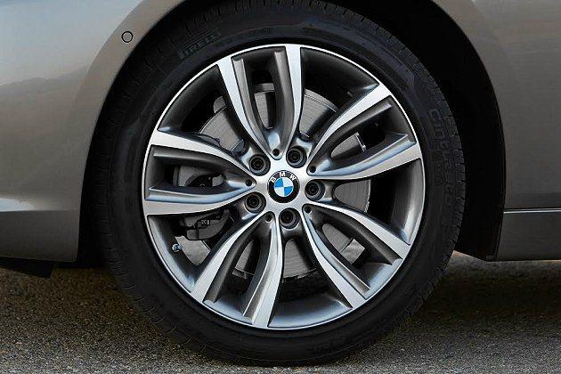 M Aerodynamic氣動力套件,提供17或18吋輕量化鋁圈。 BMW提供