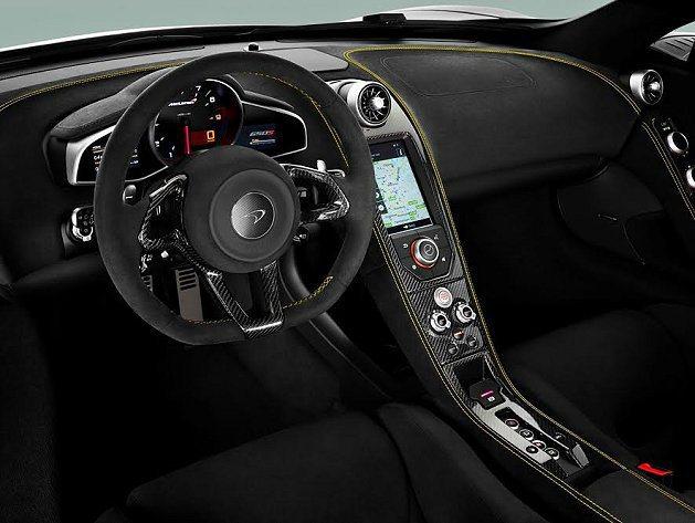 內裝結合輕量化材料與技術,座椅採用碳纖維打造的車座椅。 McLaren提供