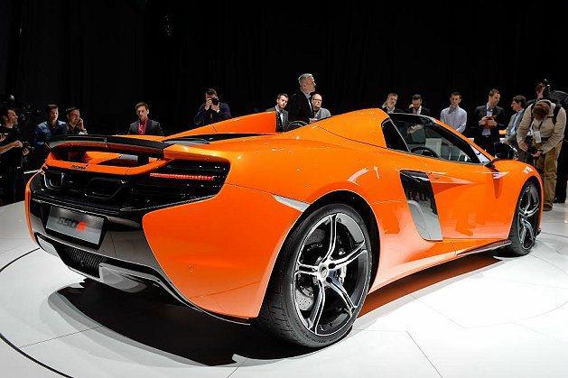 650S Spider和650S同樣搭載McLaren的M838T雙渦輪增壓V8...