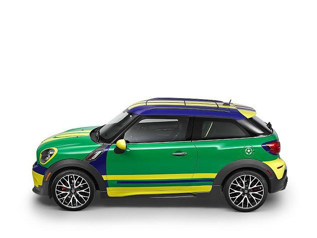 MINI Paceman GoalCooper整體非常有世足運動風。 MINI提...