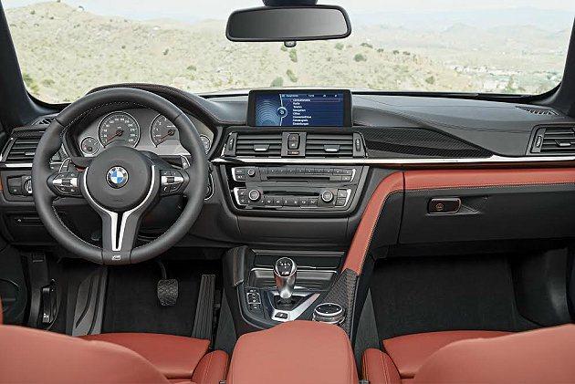 M4 Convertible內裝鋪陳一如M3和M4 Coupe,並提供豐冨的選項...