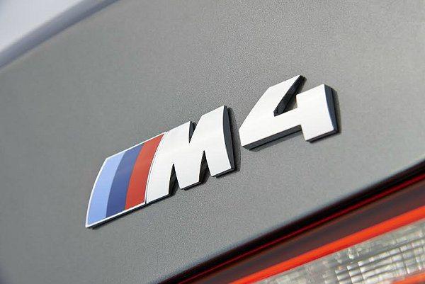 M4 Convertible車尾有M4的車銘牌。 BMW提供