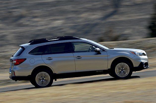 新Outback特別針對引擎進氣、排氣組件改進優化,變速箱傳動摩擦也有大幅降低,...