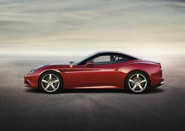 California T搭載全新3.8升8缸雙渦輪增壓引擎,最大馬力560hp,...