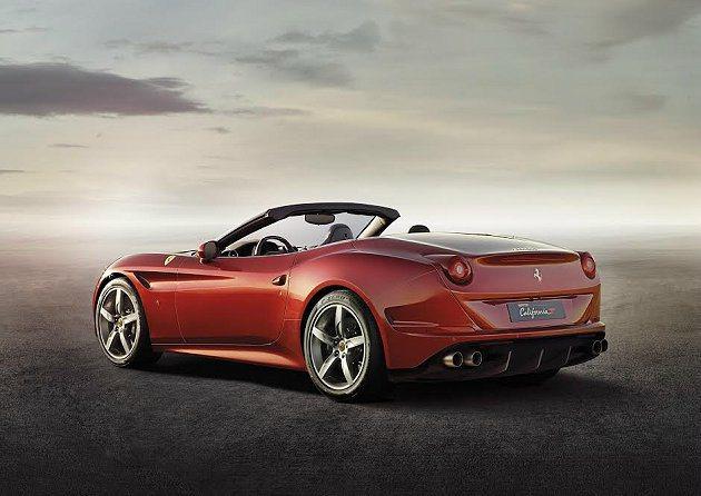 車側線條與廓形,有十分流暢的曲線,並有新設計的導流孔。 Ferrari提供