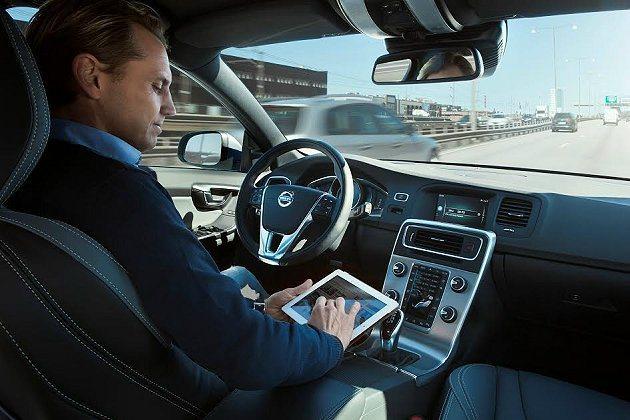 Volvo第一輛自動駕駛汽車更在瑞典哥登堡(Gothenburg)一般公路展開公...