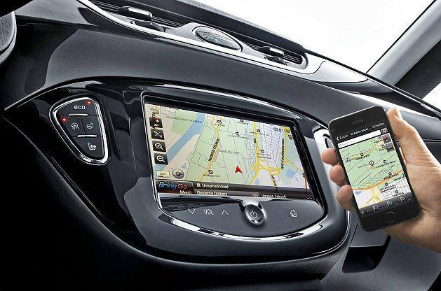 新世代Corsa配備IntelliLink系統,搭配7吋全採觸控螢幕,可整合影音...