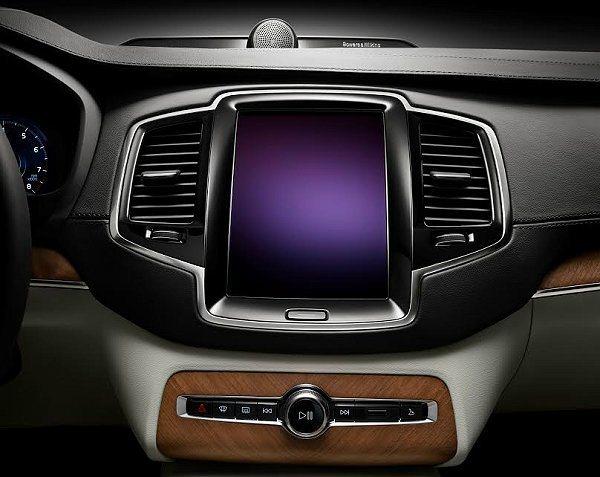 中控台採取平板電腦式樣界面,車內完全沒有按鍵。 VOLVO提供