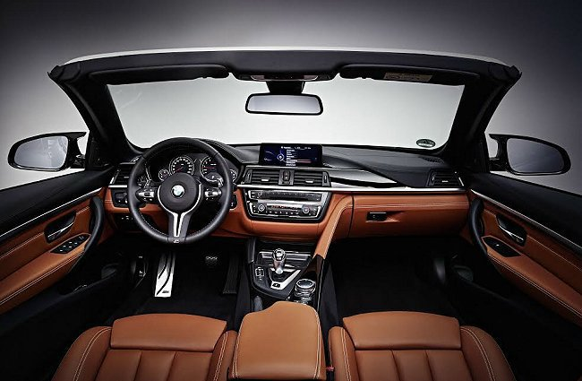 M4 Convertible也有客製化的服務,原廠推出個人化改裝套件,可自選車色...