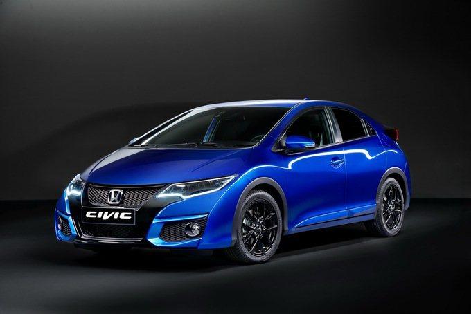 Honda_Civic_Sport鷹眼頭燈加上立體下擾流,跑車氣息濃烈。 Hon...