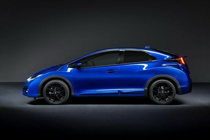 Honda Civic Sport 車頭低而前伸,完全跑車架勢。 Honda提供