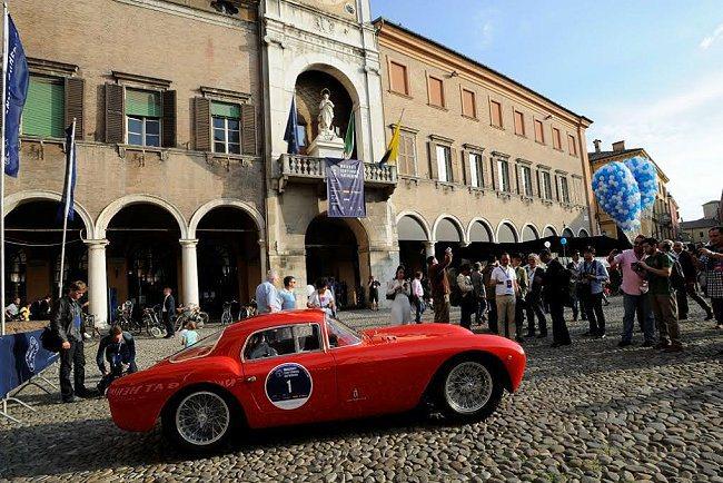 超過200台Maserati齊聚一堂,其中不乏經典古董車,A6 GCS 53也現...