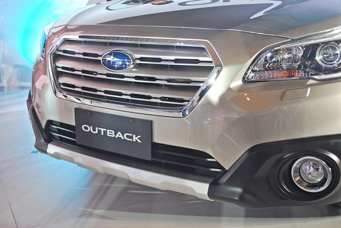 OUTBACK新水箱護罩設計,內有Active Grille Shutter主動...