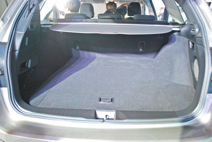 行李廂空間有所增加。 記者趙惠群/攝影