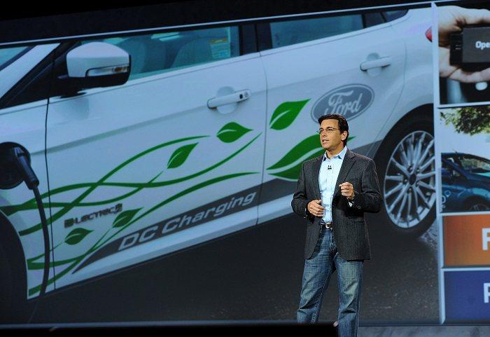 福特汽車總裁暨執行長Mark Fields於2015美國國際電子消費展(CES)...