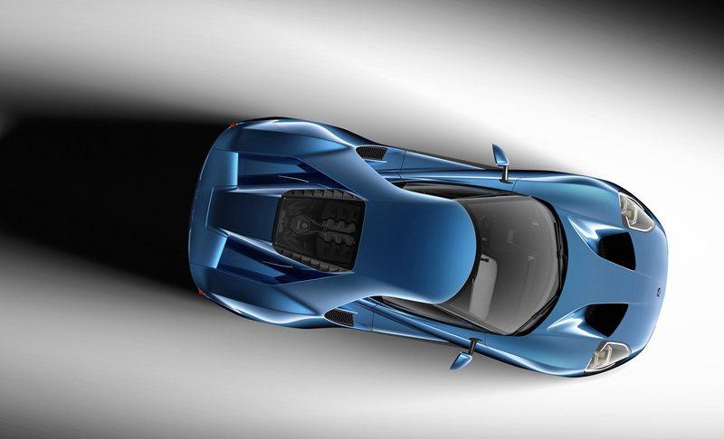 GT採用先進輕量化複合材料科技,擁有優於任何量產超跑的車重馬力比。 Ford提供