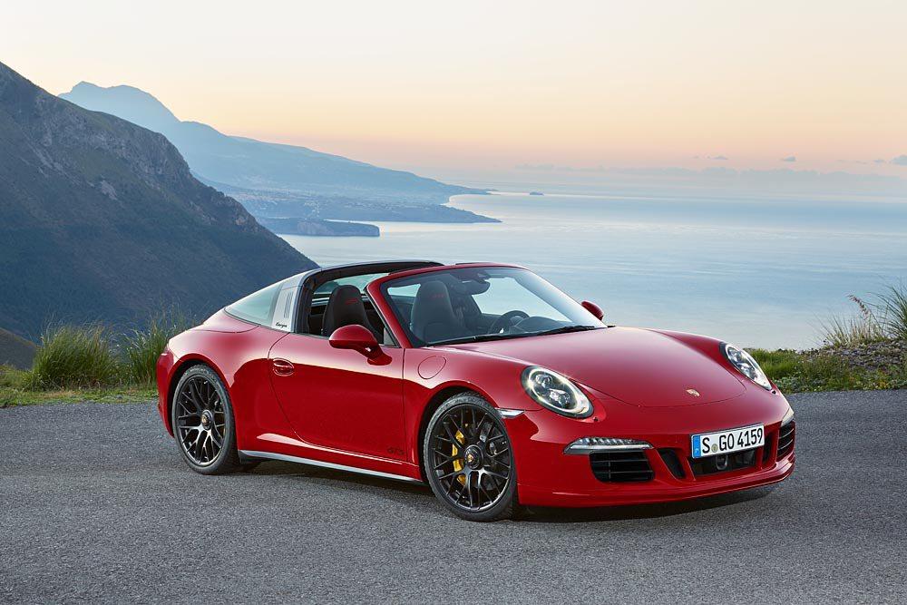 911 Targa車系的誕生可說是相當有趣。圖為 911 Targa 4 GTS ,最大馬力達 430 匹 。 Porsche 提供