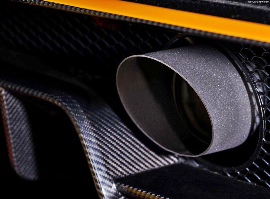 Vantage GT3全鈦的中置排氣尾管。 Aston Martin提供