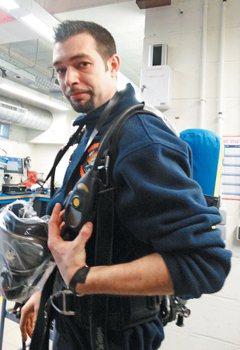 比利時記取血的教訓 消防員防護衣裝警鈴