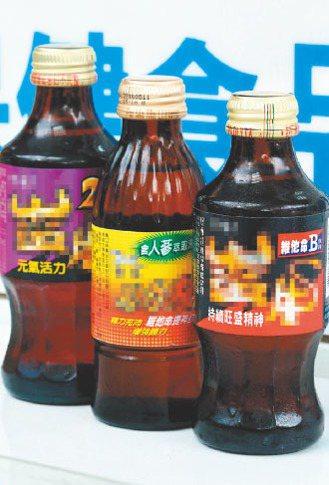 提神飲料成分:綜合維他命、胺基酸、礦物質,部分產品添加中藥。 記者陳立凱...