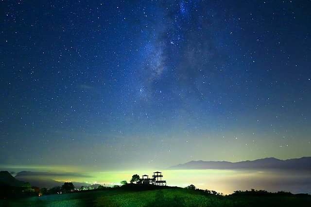 花蓮六十石山入夜後景色相當壯觀。 李御林攝影