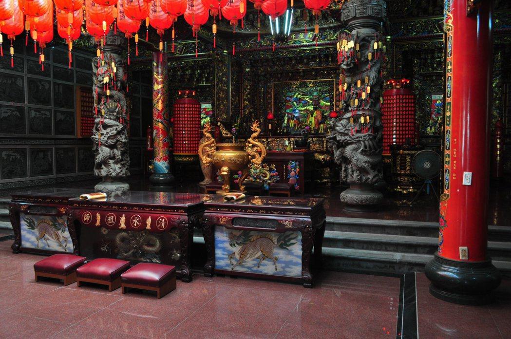 清水祖師爺廟是屈尺居民的信仰中心。 記者許信文/攝影