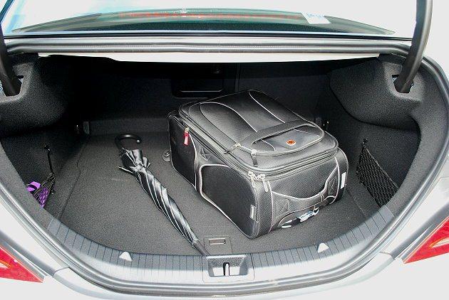 行李廂空間也具水準。 趙惠群