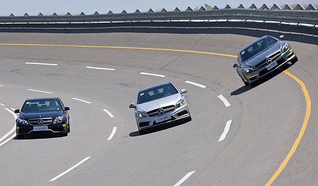 活動尾聲照慣例都會舉行高速週回道的體驗,時速高達250km/h。 蔡志宇