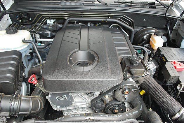 源自賓士技術的RX200e-XDi柴油引擎,最大馬力155匹、最大扭力36.7公...