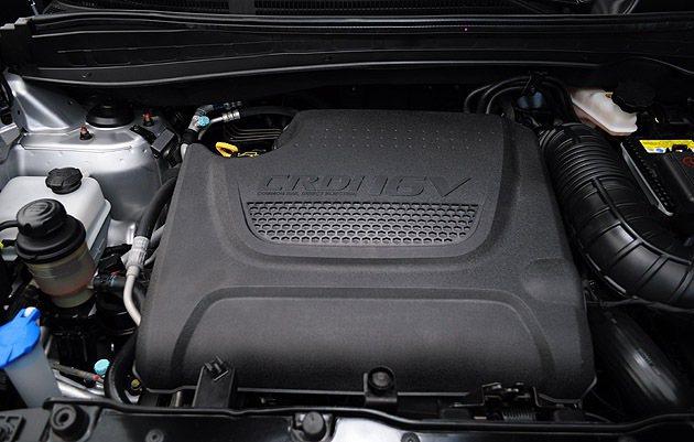 2.0L CRDi柴油引擎可輸出將近200hp的表現。 蔡志宇