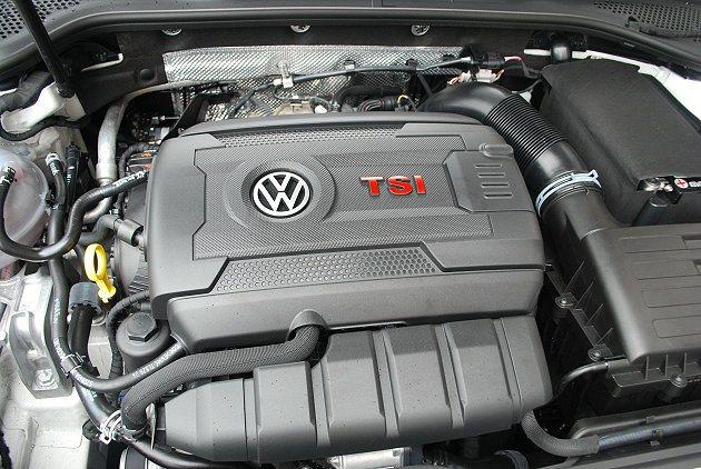 2.0 TSI引擎馬力值比6代增加10匹,平均油耗也相當出色,一公升燃油平均可跑13.5公里。 記者趙惠群/攝影
