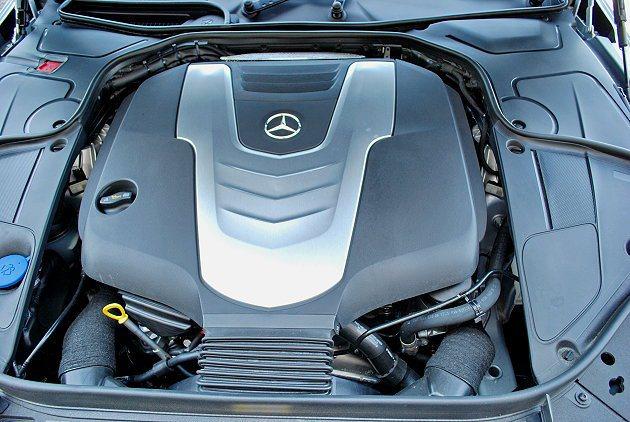 S350 BlueTEC柴油引擎。 記者趙惠群/攝影