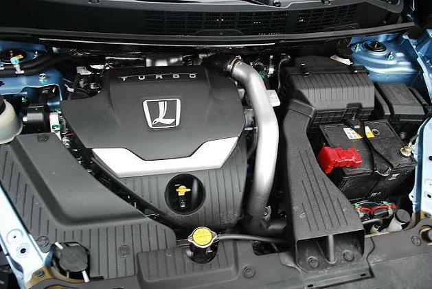 2.0 Turbo引擎也有13公里多的平均油耗。 記者趙惠群/攝影
