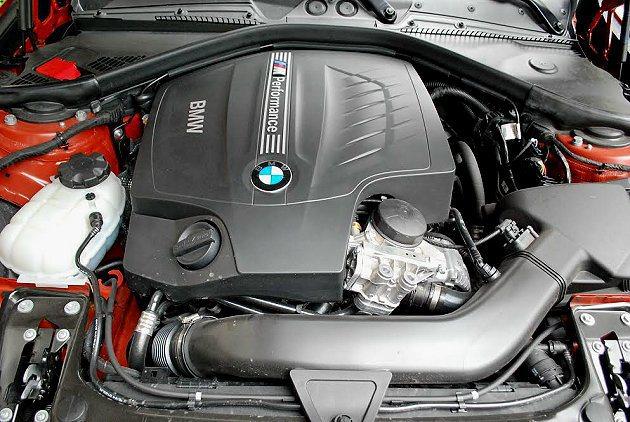 動力系統為BMW直六引擎中最強的3.0升TwinPower Turbo渦輪增壓汽...