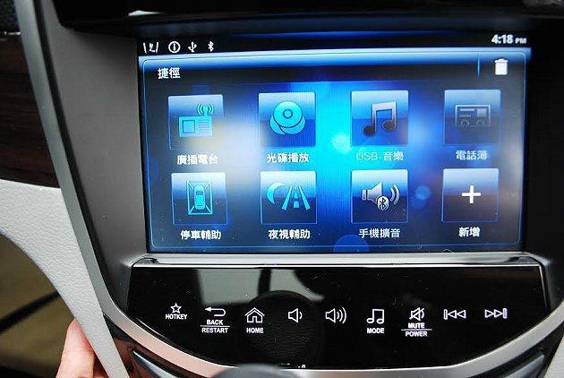 中控台中間的Think+ Touch 9吋觸控螢幕。 記者趙惠群/攝影