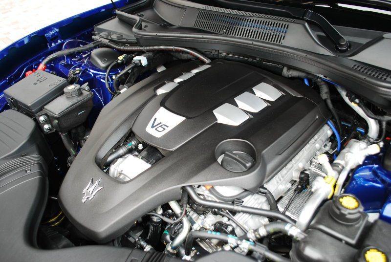 30升V6渦輪增壓引擎最大馬力330匹,最大扭力50公斤米 記者趙惠群/攝影