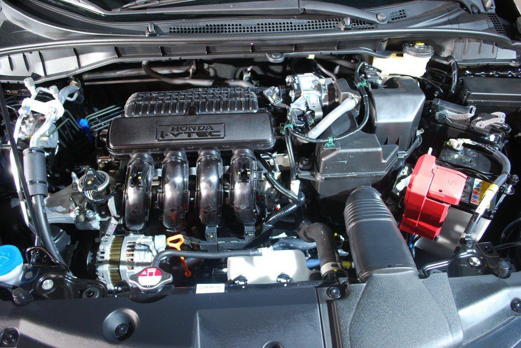 1.5升i-VTEC引擎,引擎本體輕量化,並使運轉效率提升,小排氣量創造120匹...