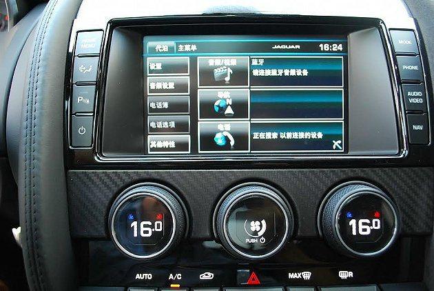 中控台8吋觸控螢幕內建多媒體,整合數位娛樂與導航及藍牙功能。 記者趙惠群/攝影