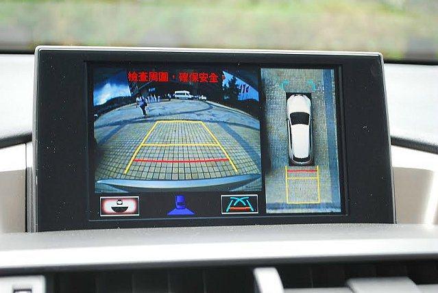 旗艦車型以上配有360度環艙顯示系統,防駕駛視野出現死角。 記者趙惠群/攝影