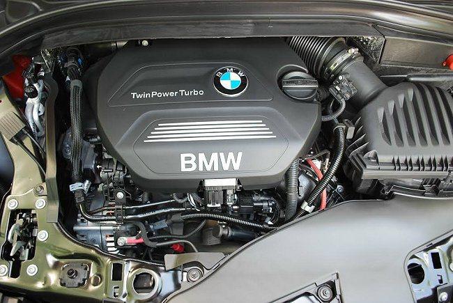 218d Active Tourer搭載2.0升直列四缸柴油引擎,最大馬力150匹、最大扭力33.67公斤米,搭配的手排變速箱還有自動補油功能,使加速換檔更平順。 記者趙惠群/攝影