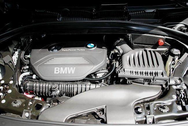 225i Active Tourer的動力是2.0升直列四缸汽油引擎,最大馬力231匹,最大扭力35.71公斤米,搭配8速自排變速箱,時速0至100公里加速只要6.6秒 記者趙惠群/攝影